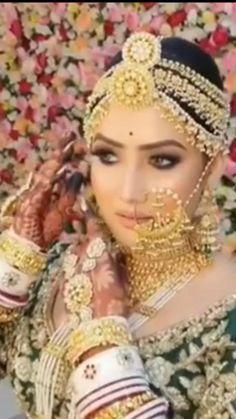 Pakistani Bridal Makeup, Indian Bridal Outfits, Indian Bridal Fashion, Bridal Dresses, Bridal Makeup Videos, Corpse Bride Costume, Bridal Lehenga Collection, Bridal Bangles, Winter Bride