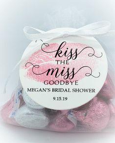 Bridal Shower Rustic, Bridal Shower Party, Bridal Shower Decorations, Bridal Showers, Food For Bridal Shower, Bridal Shower Favors Diy, Baby Favors, House Decorations, Engagement Party Favors