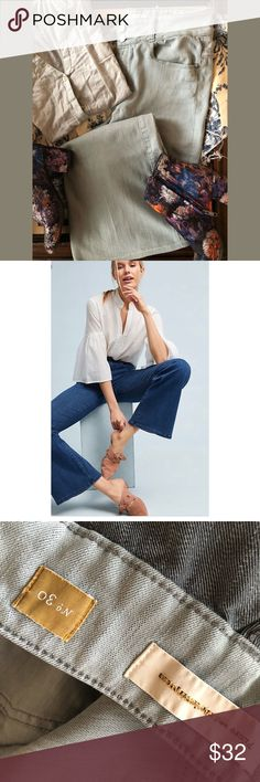 Pilcro{Anthropologie} High Rise Flare Light wash double button flare/wide leg jeans. By far, one of my favorite brands! Super soft and stretchy! Gently worn. Anthropologie Jeans Flare & Wide Leg
