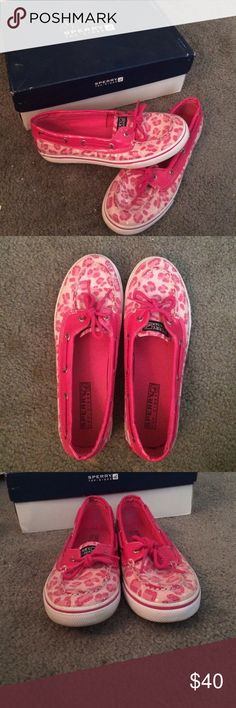 Youth Girl's Size 5 Sperry Boat Shoes Worn a few times practically new! Sperry Top-Sider Shoes