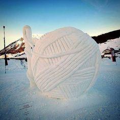"knithacker: ""Ball of yarn ice sculpture! #italy #livigno #livigno2011 #icescuplture #yarn #winter #art #iceart #instaart #iloveyarn #yarn #yarnlove (at Livigno, Italy) """