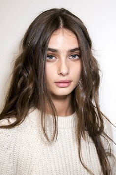 Taylor Hill #long #hair #brunette