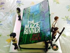 Maze runner cake. This is one of the best cakes i've ever seen in my life!