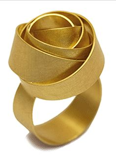 "Ring | BARBARA SCHULTE-DE Hengesbach.  ""Rose"".  750 Gold"