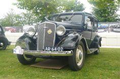1935 - Chevrolet Standard Coach - front side