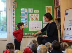 Alphabet Songs, Heavy Heart, Pre Kindergarten, English Class, Sign Language, Childhood Education, Story Time, School Days, Teaching Kids