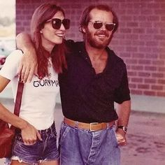 Jack Nicholson & Anjelica Houston's On And Off Relationship Lasted About 17 Years, From The Moment She Met Him At A Home Party Jack Nicholson, Scott Fitzgerald, Chambray, Anjelica Huston, The Crow, Vintage Tee Shirts, Cinema, Famous Couples, Thing 1