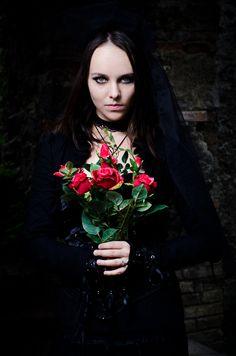 Natural Born Killers, Dark Beauty Magazine, Darkness Falls, Grow Out, Gothic Dress, Alternative Fashion, True Beauty, Princess, Womens Fashion