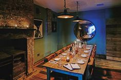 Artist Residence venue for hire located close to Victoria station where you can enjoy a lavish dinner for up to 24 guests or throw a drinks party for up to 35. With its very own private bar, surround-sound music system and snug sofa & armchairs by the fire, this quirky room is the perfect space to throw that fabulous celebration you've been hampering after!