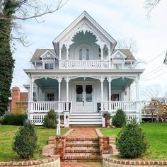 Another little beauty I would love to live in Victorian Homes Exterior, Victorian Style Homes, Dream House Exterior, Victorian Architecture, Folk Victorian, Victorian Farmhouse, Victorian Cottage, Victorian Houses, Victorian Buildings