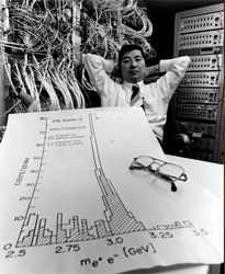 Samuel C.C. Ting along with a data proving the existence of the new 'J' particle, the work for which he shared the 1976 Nobel Prize in Physics.  #mitphysics #physics #nobel #ting #samuelting [Physics in the Present World : 1971-Present] | From MIT, who have a few nice boards