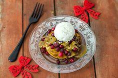 Rapea karpalo-kinuskiherkku Waffles, Ice Cream, Breakfast, Desserts, Food, Christmas, No Churn Ice Cream, Morning Coffee, Tailgate Desserts