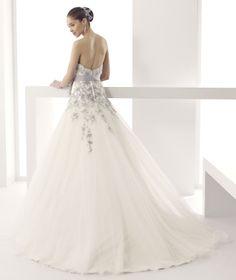 #Jolies #2015Collection #wedding dress #nicolespose ► http://www.nicolespose.it/it/abito-da-sposa-Jolies-Josie-JOAB15494IVGE-2015?utm_source=facebook.com&utm_medium=post&utm_term=JOAB15494IVGE&utm_content=collezione2015&utm_campaign=jolies