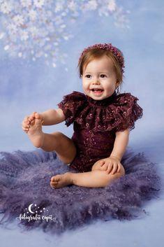 Ședințe foto bebeluși - Foto Bebeluși - Fotograf de familie și copii Girls Dresses, Flower Girl Dresses, Studio, Wedding Dresses, Face, Flowers, Fashion, Dresses Of Girls, Bride Dresses