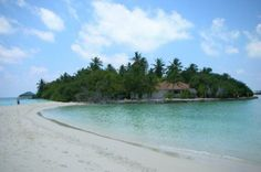 Embudu village #voyagewave #themaldives -->> www.voyagewave.com