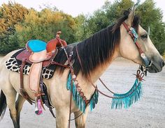 Best Ever Pads custom western saddle pad, giraffe print, turquoise horse tack horse Horse Riding Jewelry Horseshoe Necklace horse shirts horse jewelry Western Saddle Pads, Western Horse Tack, Western Riding, Western Saddles, Horse Gear, My Horse, Horse Tips, Barrel Racing Tack, Horse Accessories