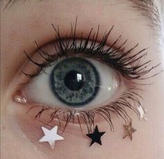 Eyes are the soul windows and the first thing that draws someone's attention when they look at your face. Eyes express a lot and most Pretty Eyes, Beautiful Eyes, Beautiful Images, Belle Photo, Makeup Looks, Makeup Style, Makeup Inspo, Eye Makeup, Star Makeup