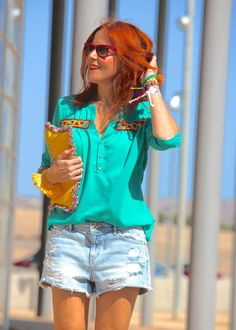 #blusaetnica #ethnicblouse #greenblouse #estiloetnico #blusaverde #camisa #camisabordados Blusa étinica - Blusa Parrita www.rosalitamcgee.com