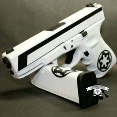 How to Select One of the Best Airsoft Guns? (Posts by Hannah Baker) Weapons Guns, Airsoft Guns, Guns And Ammo, Armas Airsoft, Custom Guns, Cool Guns, Self Defense, Tactical Gear, Tactical Survival