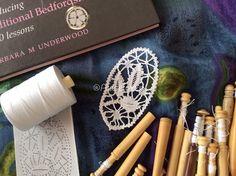 Motivo oval-Bedfordshire lace