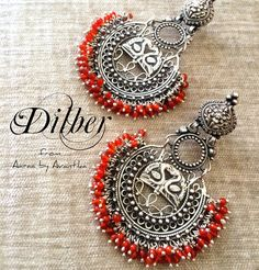 Dilber is sweetheart/darling in English. A beautiful Turki word that can totally be associated with this pair which is one of our favourite Aaraa by Avantika creations. Hope you guys like it too! India Jewelry, Ethnic Jewelry, Antique Jewelry, Indian Earrings, Silver Earrings, Silver Jewelry, Jewelry Design Earrings, Designer Earrings, Oxidised Jewellery