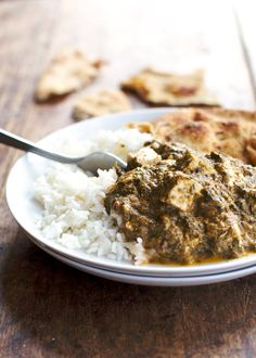 This healthy palak paneer is low-calorie and low in fat! So creamy, spicy, and full of flavor. Perfect with warm naan and basmati rice. #glutenfree #vegetarian #healthy #dinner | pinchofyum.com