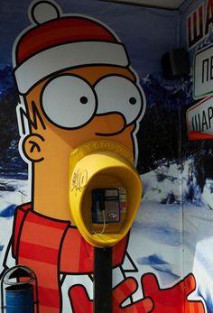 Arte de rua na Rússia transformou o orelhão na boca de Homer Simpson #ArteDeRua #StreetArt