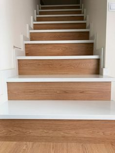Wooden Staircase Design, Wooden Staircases, New Homes, Stairs, Diy, Loft, Home Decor, Stairway Photos, House
