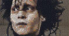¿Qué hacer con un ordenador cuando ya no te funciona? ¿O con una calculadora? El artista Guy Whitby ha recuperado sus teclas para hacer estos #retratos de celebridades. ¿Qué os parece?