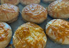 (2) Teljes kiőrlésű sajtos pogácsa   Nikolett Majerik receptje - Cookpad receptek Hamburger, Bread, Food, Brot, Essen, Baking, Burgers, Meals, Breads