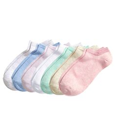 Grab a pretty pair every day of the week with this set of fine-knit ankle socks. | H&M Pastels