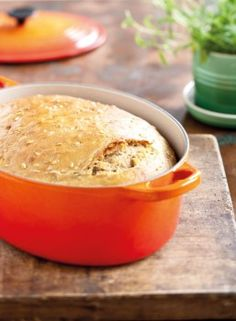 Bread in an Oval Dutch Oven  | Le Creuset