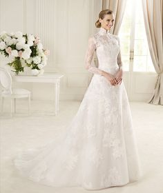 The Most Beautiful Long Sleeved Wedding Dresses from the 2013 Collections