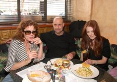 susan sarandon julianne moore stanley tucci and i love that it looks like susan was just coloring lol...