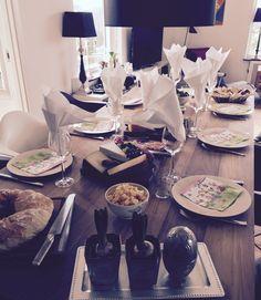 Endnu en fantastisk fødselsdagsmiddag ved vores rustikke spisebord