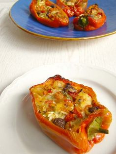 Here's a selection of five fab pepper recipes that can be easily prepared at home and taken everywhere, so you can enjoy your meal al fresco. Veggie Recipes, Vegetarian Recipes, Cooking Recipes, Antipasto, Popular Italian Food, Cena Light, Good Food, Yummy Food, Healthy Food