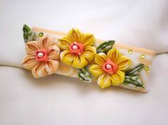 Hey, I found this really awesome Etsy listing at https://www.etsy.com/listing/180143846/yellow-daffodils-french-barette-kanzashi