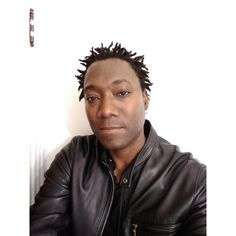 Une Vie by Sonil Sylvester distributed by DistroKid and live on Napster Grand Cherokee Srt8, Farm House, Google Play, Cottage, Live, Music, Check, Youtube, Musica
