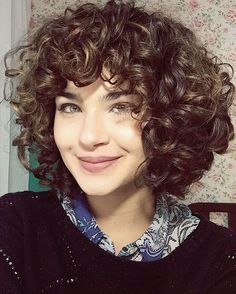 Fine hair types in the matter of curly hairstyles with bangs. Opal hair cut with extra easy hair cuts and also african american hairstyles with bangs. Natural hair concept in particular curly hairstyles with bangs. Layered Curly Haircuts, Short Layered Curly Hair, 3a Curly Hair, Curly Hair With Bangs, Curly Bob Hairstyles, Hairstyles With Bangs, Curly Hair Styles, Long Layered, Curly Hair Fringe