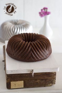 Bundt Cake de Vino Tinto, Chocolate y Frambuesas----------To make on my Bavaria bundt pan.                           …