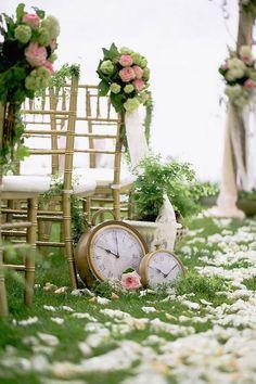 La historia de los viejos tiempos ... Romántica decoración de un pasillo de bodas.