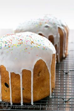 Paska Easter Bread Recipe. Note to self Real ukies use rasin instead of chocolate chip duh!