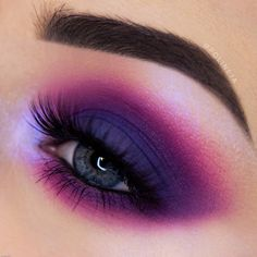 Berry eyes that mesmerize 🌺 We are always down for a vibrant purple berry eyelook, who feels the same? 🙋🏽 Poison Garden Palette look by the… Poison Garden, Nabla Cosmetics, Skin Makeup, Makeup Inspo, Smokey Eye, 3 D, Makeup Looks, Berries, Make Up