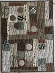 Taupe quilt by Sophie Zaugg at Luna Love Quilts. Inspired by a block from Lucie Summers book.