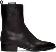 MAISON MARGIELA Black Leather Ankle Boots. #maisonmargiela #shoes #boots
