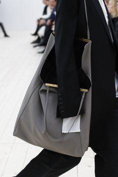 http://www.vogue.com/fashion-shows/spring-2017-ready-to-wear/celine/slideshow/details