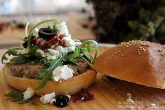 hamburguesa estilo griego