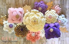 A few Paper Flower sets still available for April in our Etsy shop. These florals were packed up safely and sent to New York. ✈️ #makeitwithmichaels #paper #paperflower #backdropideas #backdrop #wontwiltinaweek #paperflowerbackdrop #paperflowerdecor #paperflowers #eventdecor #etsy #paperflowerart #blushflowers #purpleflowers #papercraft #papereverything #flowers