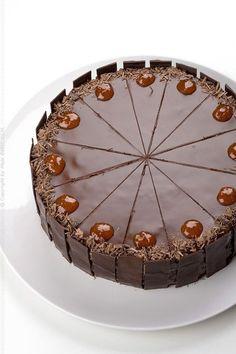 Provereni recepti by Maja Babić: Saher torta Cupcakes, Cake Cookies, Cupcake Cakes, Torte Recepti, Kolaci I Torte, Cooker Cake, Torte Cake, Bunt Cakes, Chocolate Bouquet
