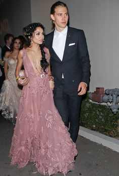 Vanessa Hudgens and Austin Butler are the very definition of adorable!